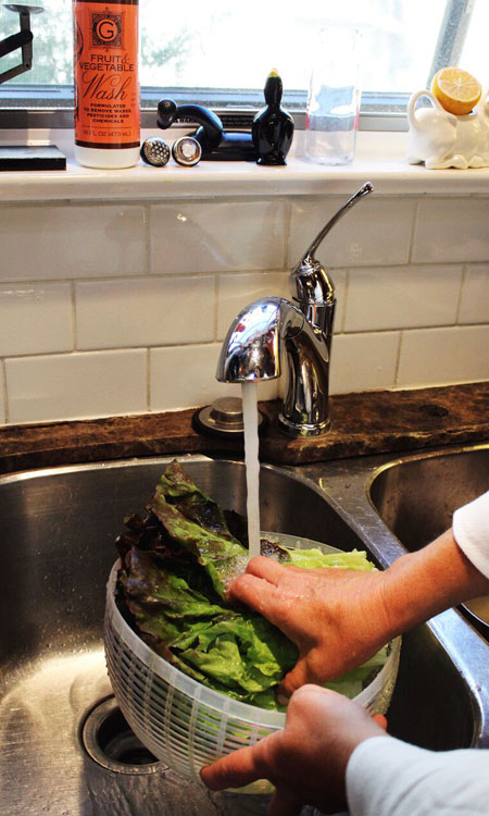 dinner parties tips washing salad